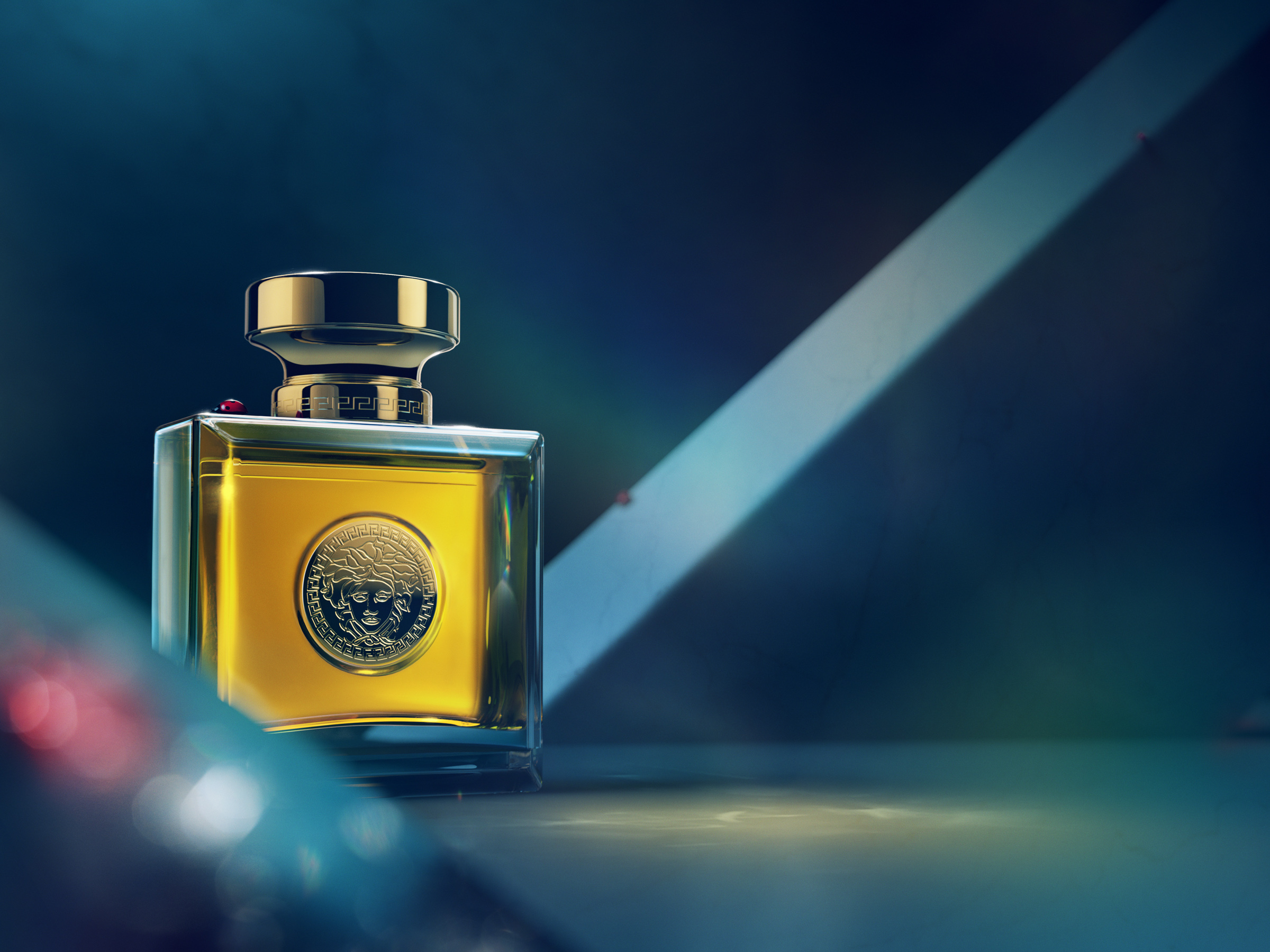 Making of : Versace Perfume Bottle – MAD LOVE
